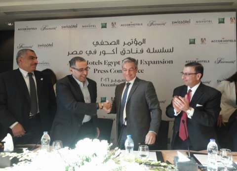 أشرف سالمان: إنشاء 4 فنادق جديدة في الساحل الشمالي بـ200 مليون دولار