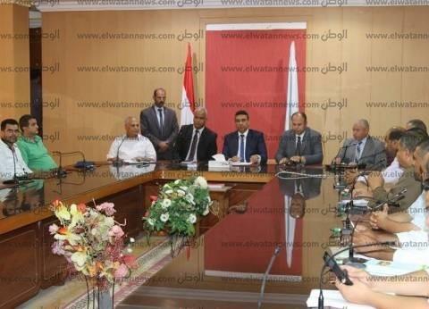صور| رئيس «شؤون البيئة» يتفقد جهود مكافحة السحابة السوداء بكفر الشيخ