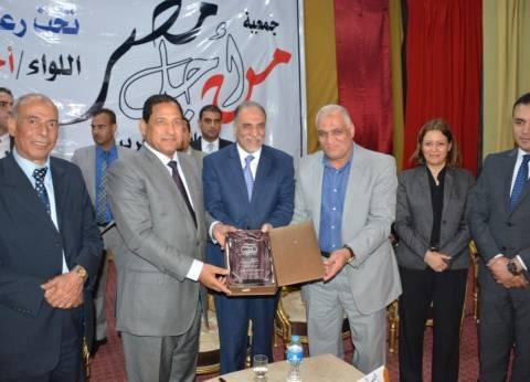 """محافظ الغربية يشارك """"مصر للغزل والنسيج"""" في احتفالها بعيد العمال"""