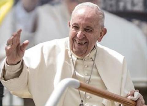"""تضم الأزهر.. بابا الفاتيكان يفتتح أعمال لجنة تحقيق """"وثيقة الأخوة"""""""