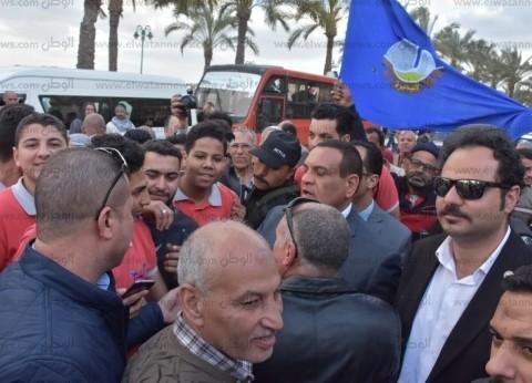 محافظ البحيرة يشارك فى مسيرة تأييد للتعديلات الدستورية على كورنيش رشيد