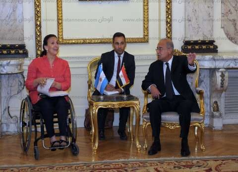 شريف إسماعيل ينهي مباحثاته مع نائب رئيس الأرجنتين لتنشيط التجارة