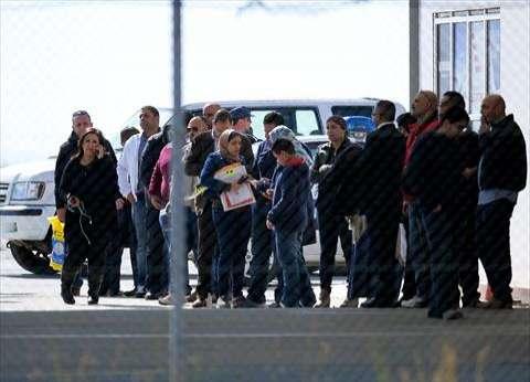 """""""الوطن"""" تنشر صور اللحظات الأولى لوصول ركاب الطائرة المختطفة إلى قبرص"""