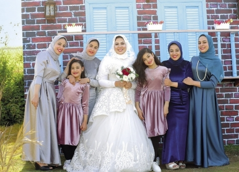 هناء توفى زوجها وترك 8 أطفال: «عندى صيدلانية ودكتورة»