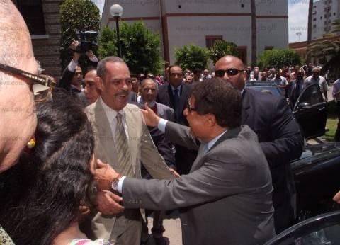 """""""الوطن"""" تنشر صورًا للراحل أحمد زويل أثناء زيارته لجامعة الإسكندرية ولقاءه بأساتذته"""