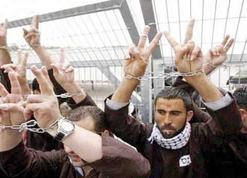 الاحتلال الإسرائيلي يصدر 42 أمر اعتقال إداري بحق أسرى فلسطينيين