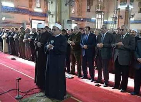 تشييع جنازة عامل بهيئة الإسعاف بالدقهلية استشهد في هجوم الروضة