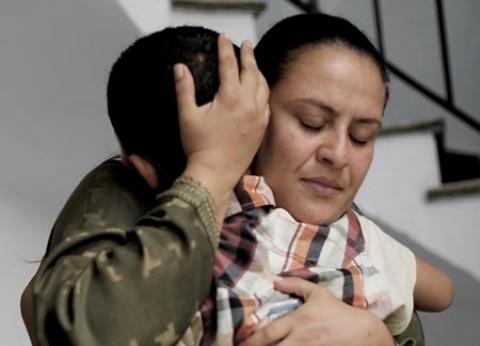 مخرج مغربى يكرم والدته بتجسيد قصة حياتها فى فيلم «لعزيزة»