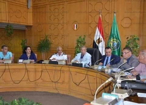 """محافظ الإسماعيلية يستعرض مقترحات """"رسالة نور على نور"""" لدعم المواطنين"""