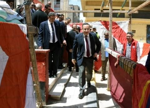 محافظ الإسكندرية يتابع سير الاستفتاء بمختلف اللجان