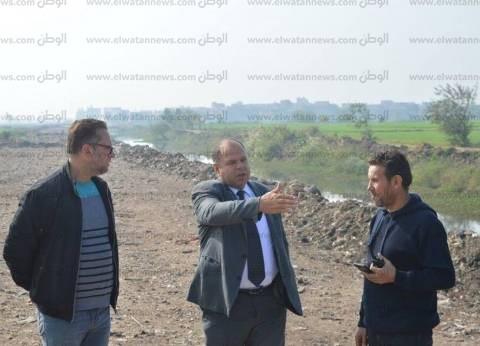بالصور| محافظ كفر الشيخ يطالب بسرعة استكمال نقل مقلب قمامة