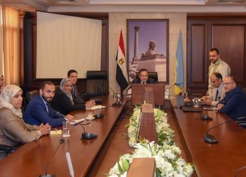محافظ الإسكندرية يكلف بتخصيص أماكن لإنشاء مراكز تكنولوجية بالأحياء