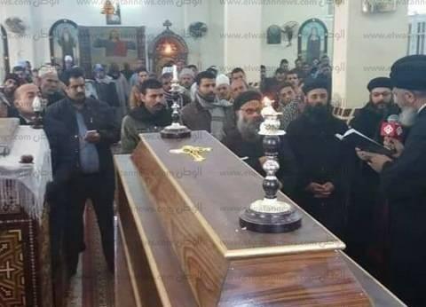 بالصور| الكنيسة تشيع جنازة شهيد العريش بمسقط رأسه في سوهاج