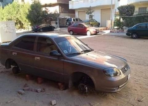 لصوص يسرقون إطارات السيارات بالسلام في السويس: quotبيحطوا بدالها طوبquot