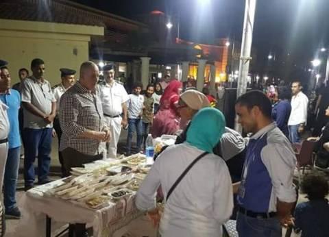 محافظ البحر الأحمر يتفقد معرض المشغولات اليدوية بالممشى السياحي