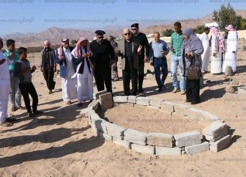 بالصور| محافظ جنوب سيناء يقدم واجب العزاء في أحد عواقل مدينة دهب