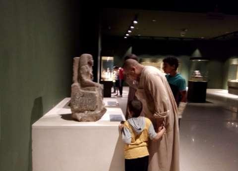 بعد افتتاحه رسميا.. إقبال جماهيري على متحف سوهاج
