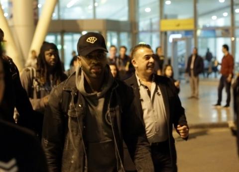 وصول النجم العالمي جيسون دروللو إلى مصر استعداد لحفله مع تامر حسني