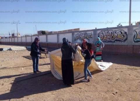 """""""مرشدات جنوب سيناء"""" تقيم خيام بمركز الشباب لمواجهة السيول"""