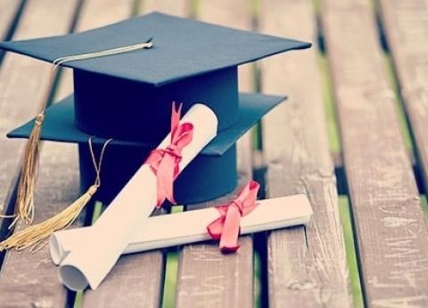 بالتفاصيل| التعليم العالي تعلن عن منح دراسية مقدمة من الهند