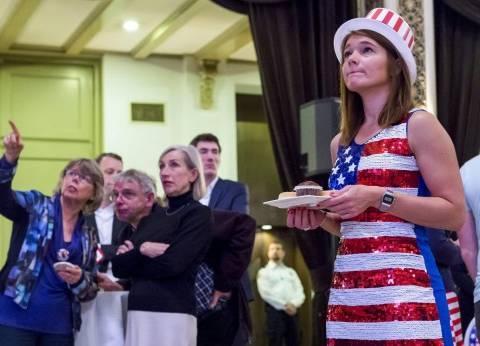 الأمريكيون يبحثون عن الهجرة بعد فوز المرشح الجمهورى