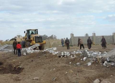 بالصور| مدير أمن الفيوم يترأس حملة إزالة 71 تعديا على الأراضي