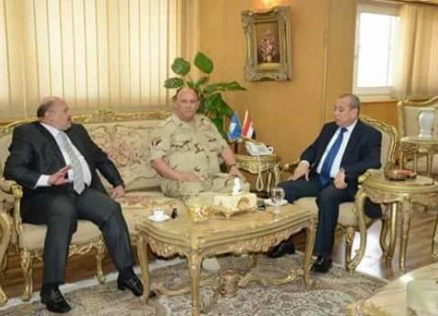 محافظ دمياط يعقد اجتماعا تنسيقيا مع مدير الأمن وقائد الفرقة 18
