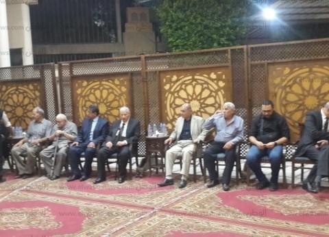 بدء عزاء شقيقة مكرم محمد أحمد بمسجد الحامدية الشاذلية