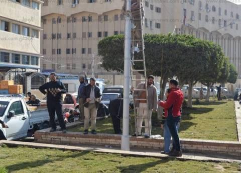 بالصور| مساعد محافظ كفر الشيخ يتابع إزالة الإشغالات من شوارع المحافظة