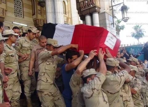 بالصور| جنازة عسكرية وشعبية لشهيدي القوات المسلحة في المنصورة