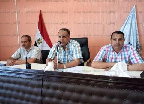 رئيس مدينة دسوق يناقش مشاكل الصرف الصحي والكهرباء والإشغالات