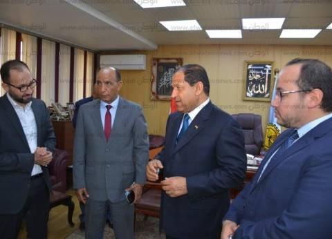 """بهدف تطوير حديقة الأندلس.. محافظ الغربية يلتقي وفد """"أيادي مصر للتطوير"""""""