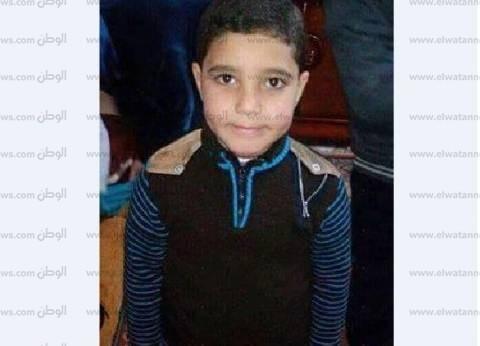"""أهالي أبوكبير بالشرقية يشيعون جثمان الطفل عمر ضحية """"قطاري الإسكندرية"""""""