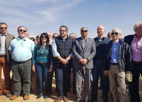 استعدادا لكشف أثري بـquotتونا الجبلquot.. وزيرا الآثار والسياحة يصلان المنيا