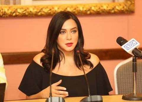 سلاف فواخرجي: حزينة على مستوى بعض الأفلام المصرية.. والتمثيل مهنتي الرئيسية