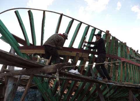قرار إزالة ورش صناعة السفن يهدد بتشريد 5000 عامل فى دمياط