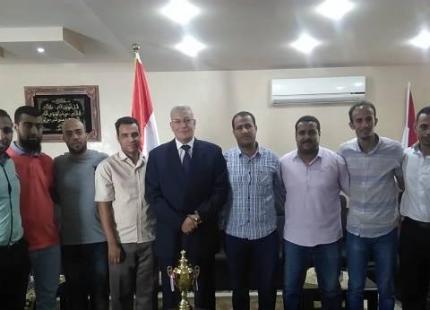 """رئيس محكمة البحر الأحمر يكرم فريقه لفوزه على """"المصرية للاتصالات"""""""