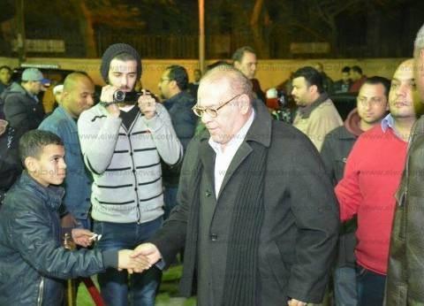 بالصور| سمير صبري وأحمد بدير وخالد يوسف يشاركون في عزاء ممدوح عبد العليم
