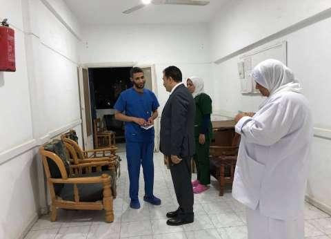وكيل وزارة الصحة بالسويس يبحث زيادة الحضانات بالمستشفى العام