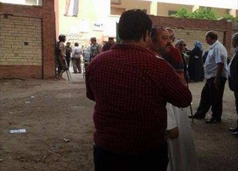 توافد الشباب على مدرسة مصطفى كامل في بولاق الدكرور وسط إجراءات أمنية مكثفة