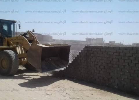 إزالة 38 حالة تعد على الأراضي الزراعية بدير مواس في المنيا