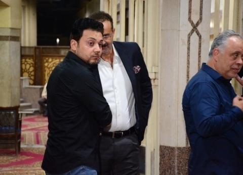 بالصور| يحيى الفخراني وبوسي وسيد رجب أبرز الحضور في عزاء جميل راتب