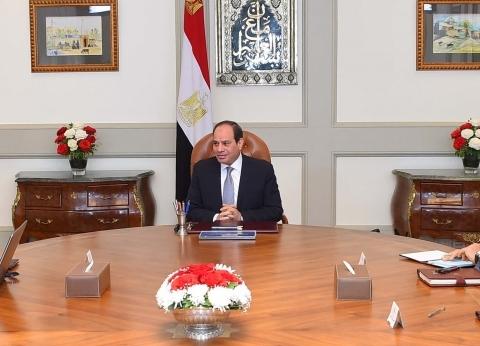 """السيسي يجتمع مع وزير الاتصالات لبحث """"استراتيجية الذكاء الاصطناعي"""""""
