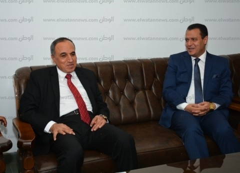 بالصور| اجتماع نائب رئيس جامعة أسيوط ونقيب الصحفيين لاستعراض سبل التعاون