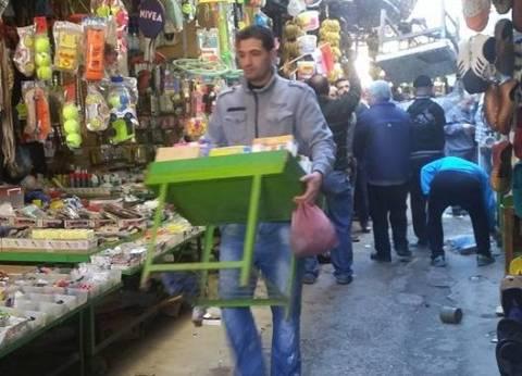 حملة مكثفة بأسواق حي الجمرك بالإسكندرية لرفع الإشغالات والتعديات
