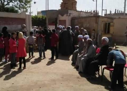 محافظ السويس ورئيس أركان الجيش الثالث يتفقدان اللجان الانتخابية