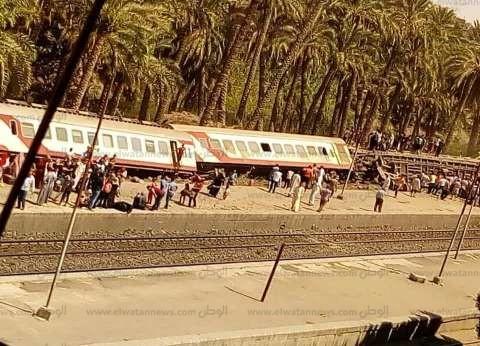 """محافظ الجيزة يتجه إلى موقع حادث """"قطار البدرشين"""" في المرازيق"""