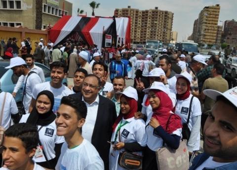رئيس جامعة حلوان يدلي بصوته في التعديلات الدستورية