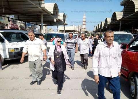 رئيس مدينة الحامول تطالب السائقين بالالتزام بتعريفة الأجرة