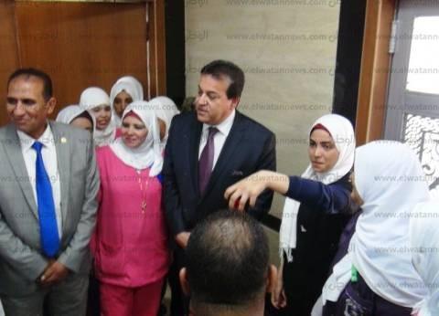 وزير التعليم العالي يفتتح 6 كليات بمدينة أسوان الجديدة